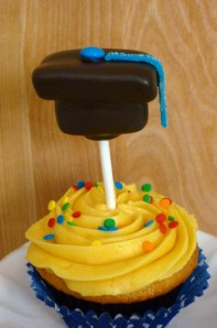 Graduation Cupcakes with Marshmallow Grad Cap Pops