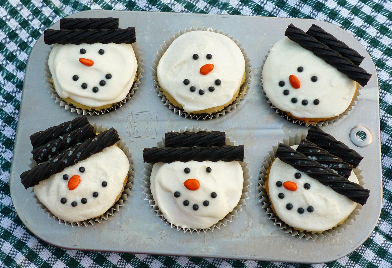 Snowman Cupcakes | SWEET SIMPLE STUFF