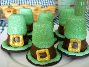 St. Patricks Day Hat Cupcakes