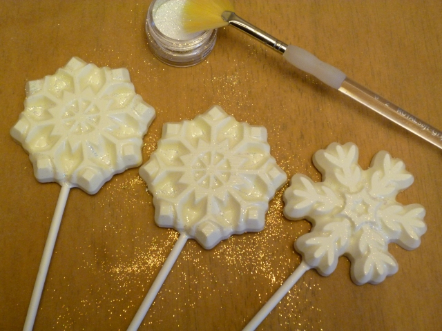 white chocolate snowflake pops
