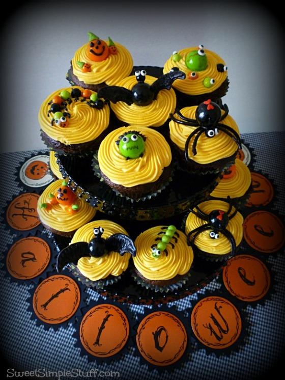 Halloween Cupcakes Sixlets Gumballs