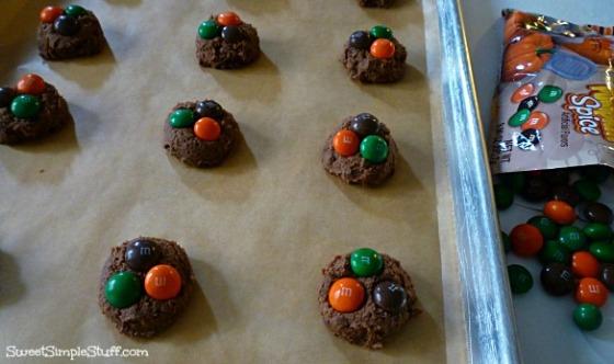 m&m's pumpkin spice cookie dough