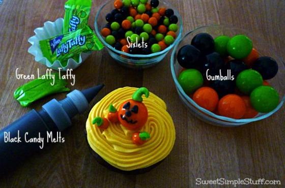 Pumpkin cupcake Sixlets Gumball
