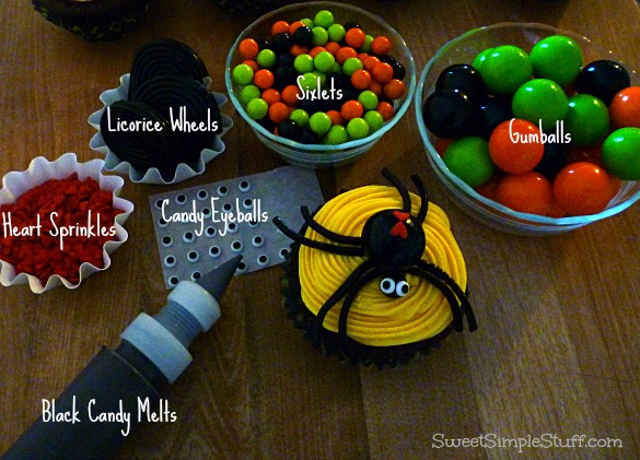 Spider Cupcake Sixlet Gumballs