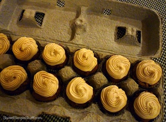 mini cupcakes to go