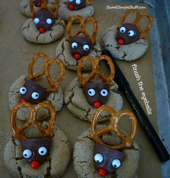 reindeer cookies pearl eyeballs