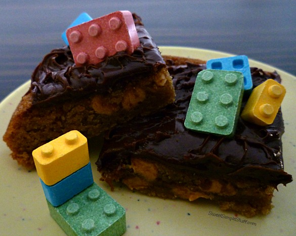 P1030646 Legos Snicker Peanut Butter Chip Cookie Bars