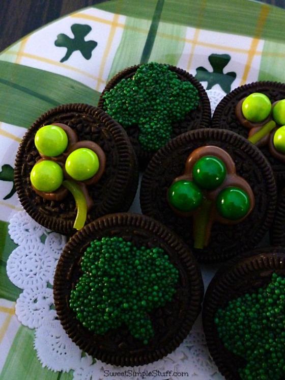 St. Patrick's Day Mint Oreo shamrocks