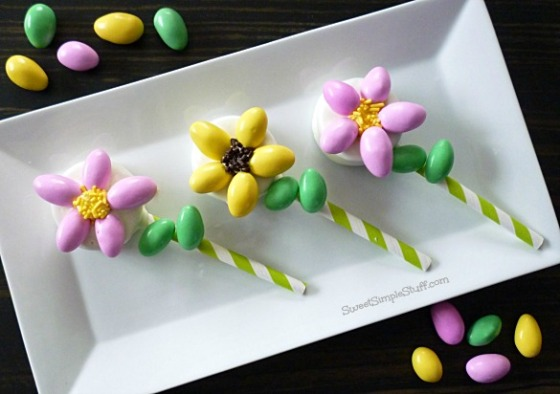 Oreo Almond FlowersSweetSimpleStuff.com