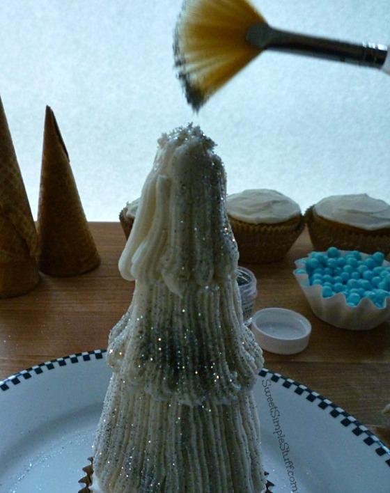 Silver tree cupcakes - SweetSimpleStuff.com