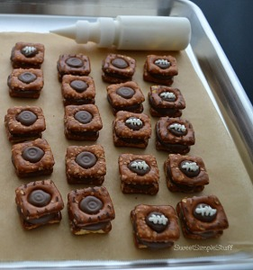 Football candy sandwich - SweetSimpleStuff