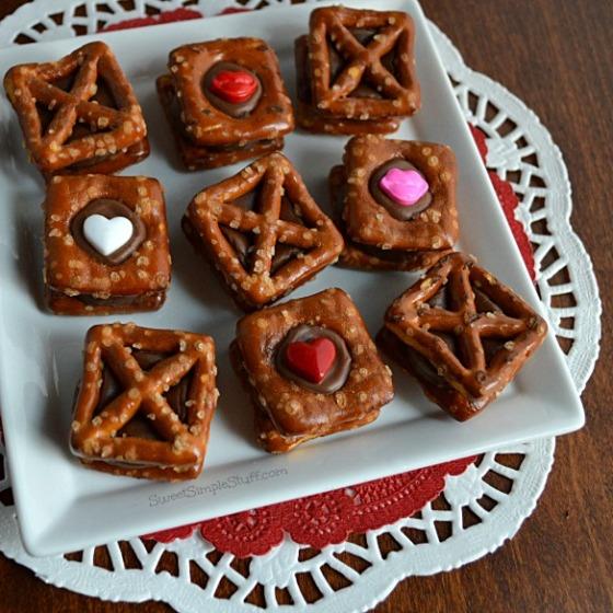 Valentine XOXO Pretzels Rolos - SweetSimpleStuff.com