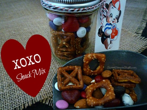 XOXO Snack Mix - SweetSimpleStuff.com
