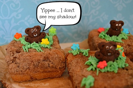 Groundhog Coffee Cake - SweetSimpleStuff