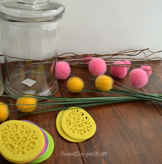 Felt Egg Easter Centerpiece by SweetSimpleStuff